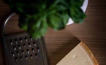 Die besten Küchenreiben im NDR Praxistest